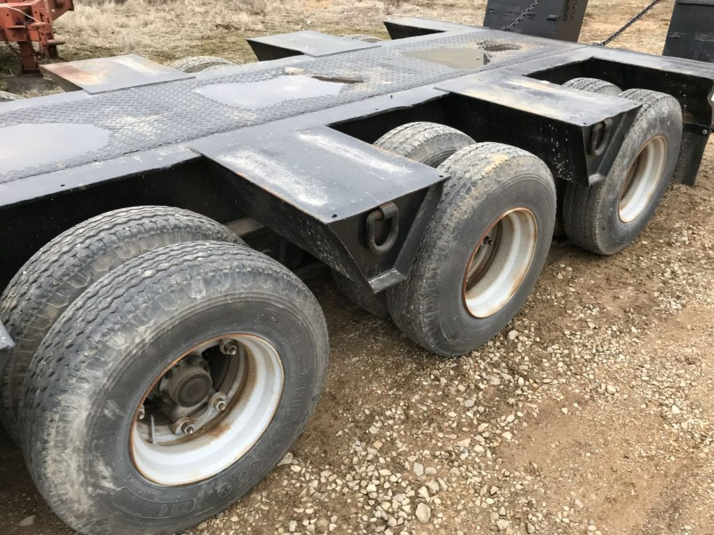 A Truck (25)