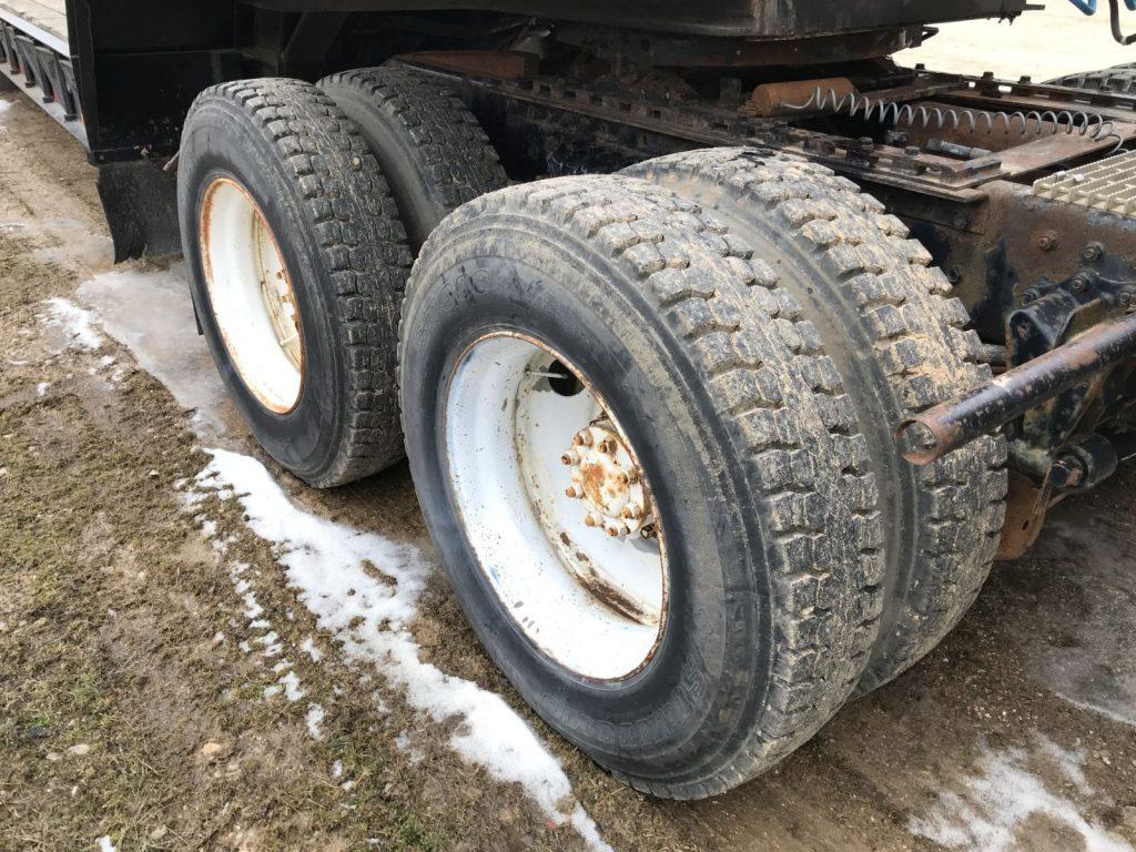 A Truck (5)